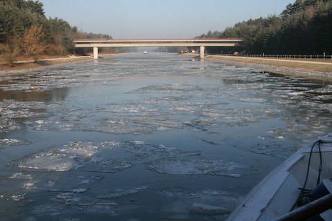 amacello_main_river_ice 1.jpg