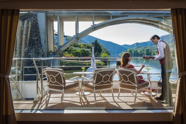 Queen Isabel operates for Uniworld on the Douro River. © Uniworld Boutique River Cruise Collection