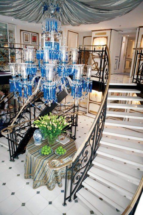 ss Antoinette lobby