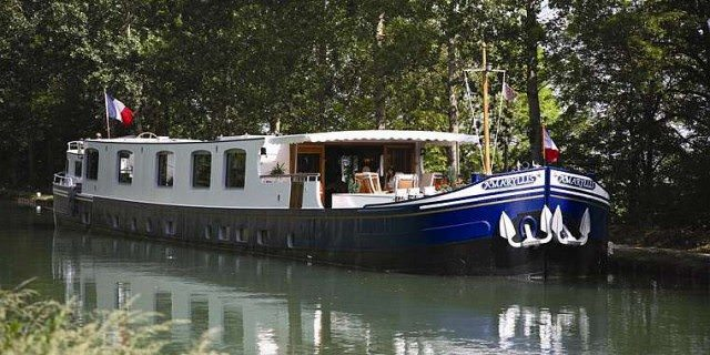 European-Waterways-Amaryllis-Barge-e1344699652754.jpg