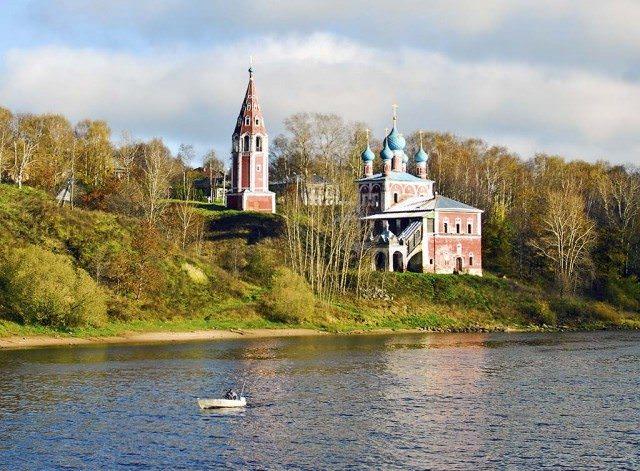 Shoreside church on the Volga River