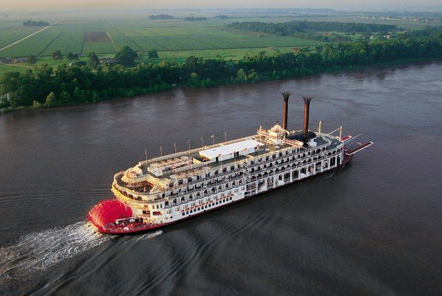 The American Queen along the Mississippi. Photo courtesy of the American Queen Steamboat Company