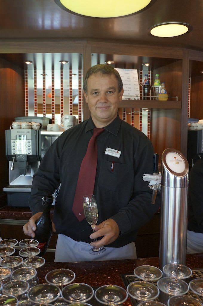 Friendly Barkeep on A-ROSA Stella