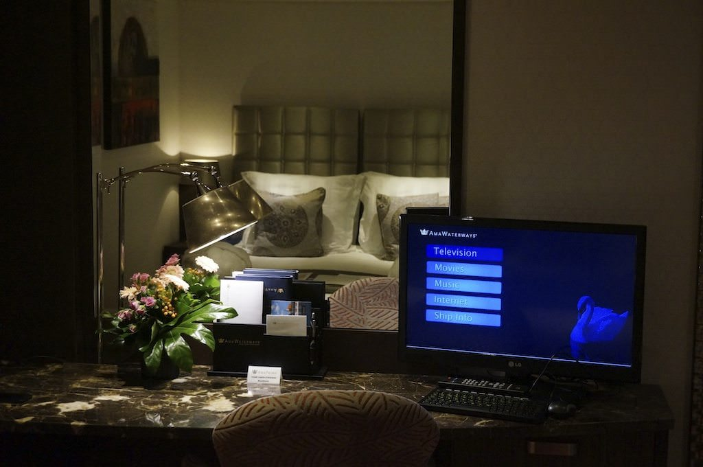 Stateroom 216 Desk & TV