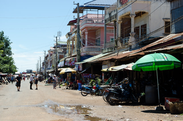 The streets of Kampong Chhnang. Photo © 2013 Aaron Saunders