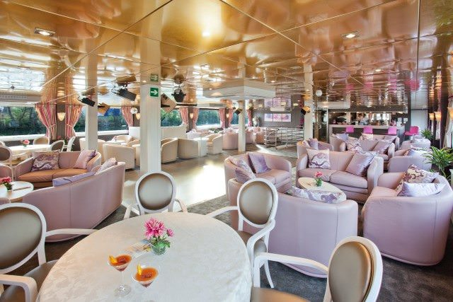 Dining aboard the MS Gerard Schmitter. Photo courtesy of CroisiEurope.