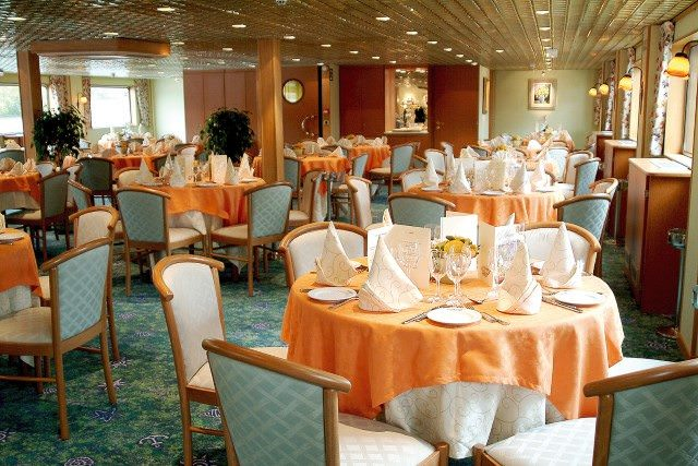 Dining aboard Infante don Henrique is a decidedly social experience. Photo courtesy of CroisiEurope.