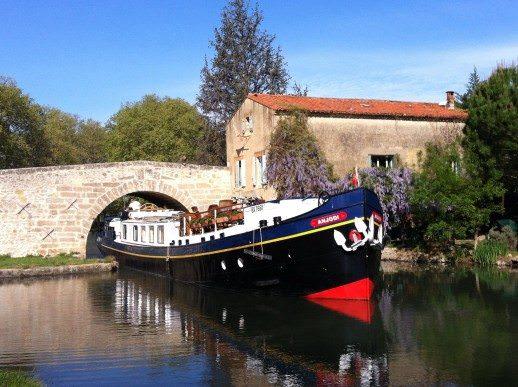 European Waterways Anjodi Luxury Hotel Barge. © European Waterways