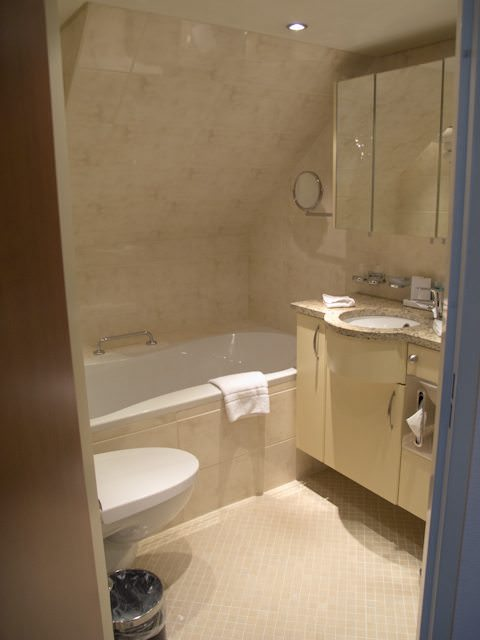 Some suites - like this one onboard AmaWaterways' AmaLyra - do feature full-sized bathtubs. A reader asks for more information. Photo ©  Aaron Saunders