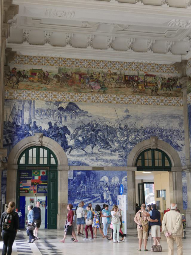 Colorful tiles in the train station in Porto. © 2014 Ralph Grizzle