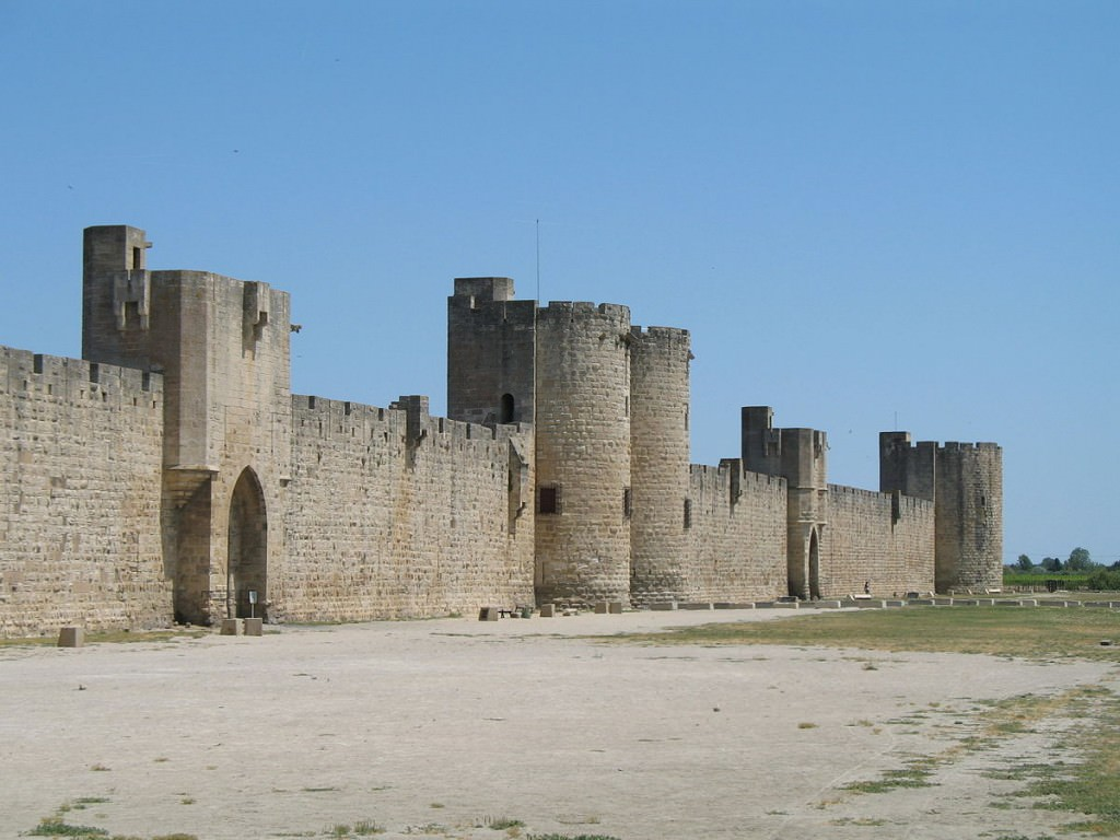 """""""Aigues-Mortes Walls 01"""" by I, MJJR. Licensed under CC BY 2.5 via Wikimedia Commons - http://commons.wikimedia.org/wiki/File:Aigues-Mortes_Walls_01.jpg#/media/File:Aigues-Mortes_Walls_01.jpg"""