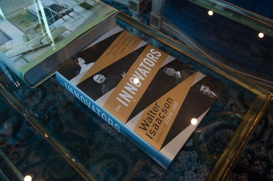 Another nice lounge touch: books you can read placed on a lower shelf of each coffee table. Photo © 2015 Aaron Saunders