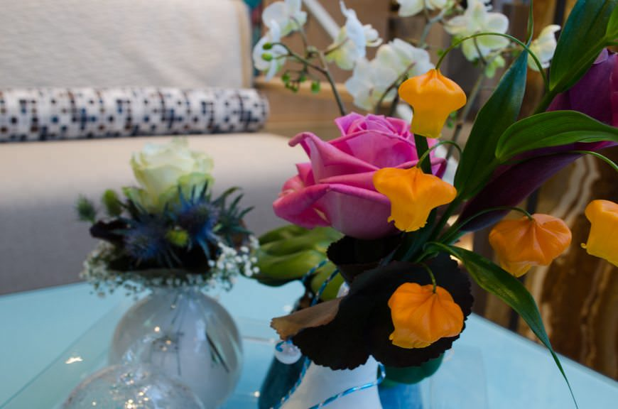 Fresh flowers in the Atrium Lobby. Photo © 2015 Aaron Saunders