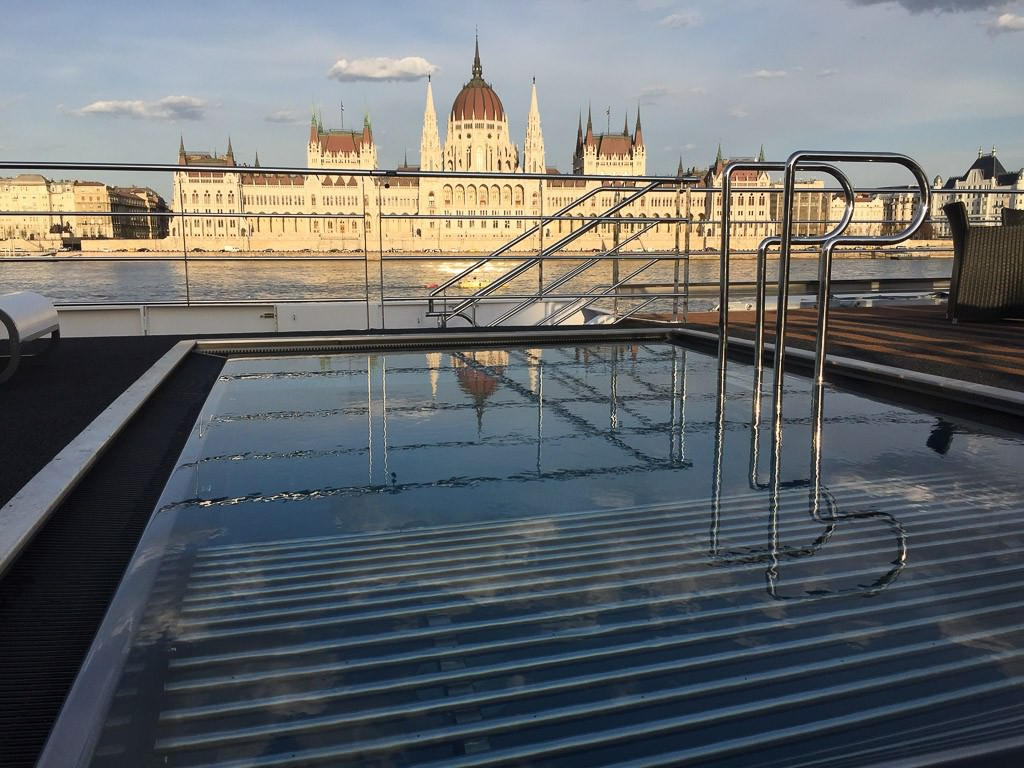 Scenic Jasper pool reflecting Hungarian Parliament building in Budapest. © 2015 Ralph Grizzle