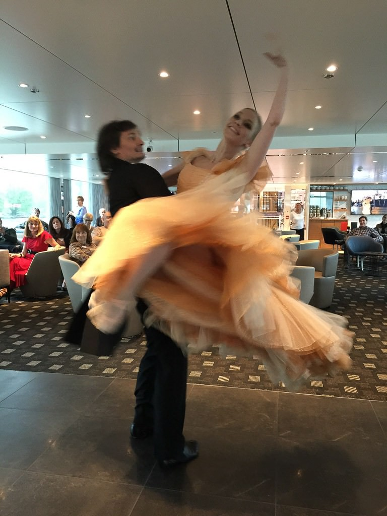 Waltz demonstration and participation on Scenic Jasper. © 2015 Ralph Grizzle