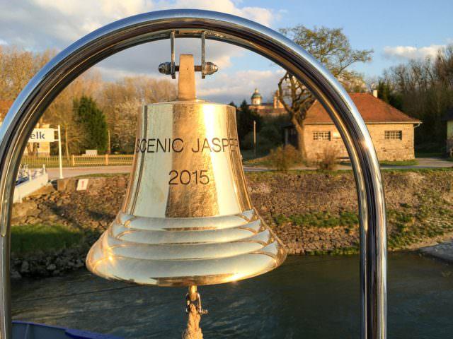Scenic Jasper bell. © 2015 Ralph Grizzle