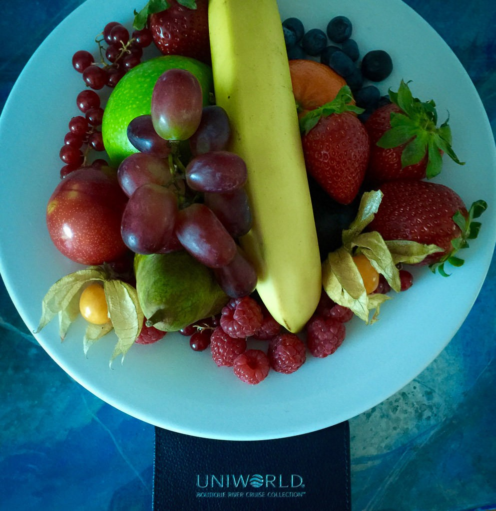 Fresh fruit daily. © 2015 Ralph Grizzle