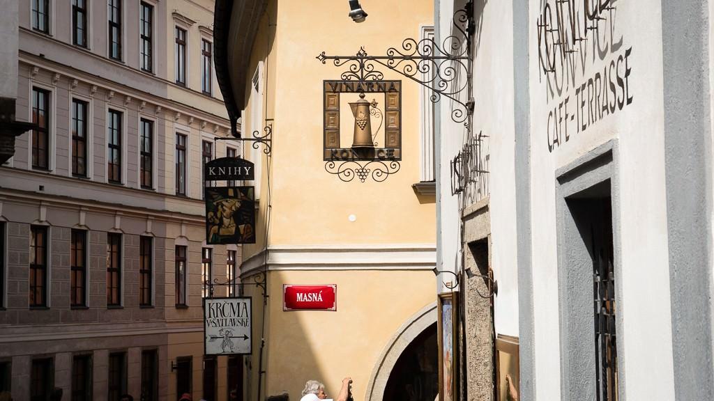 Street scene in Cesky Krumlov. ©2015 Ralph Grizzle