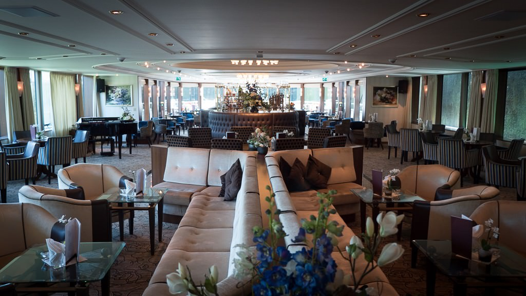 The lounge on ms Savor. © 2015 Ralph Grizzle
