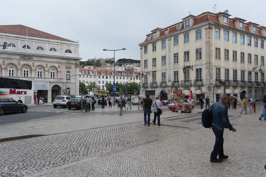 Lisbon Street Scene. Photo © 2015 Aaron Saunders
