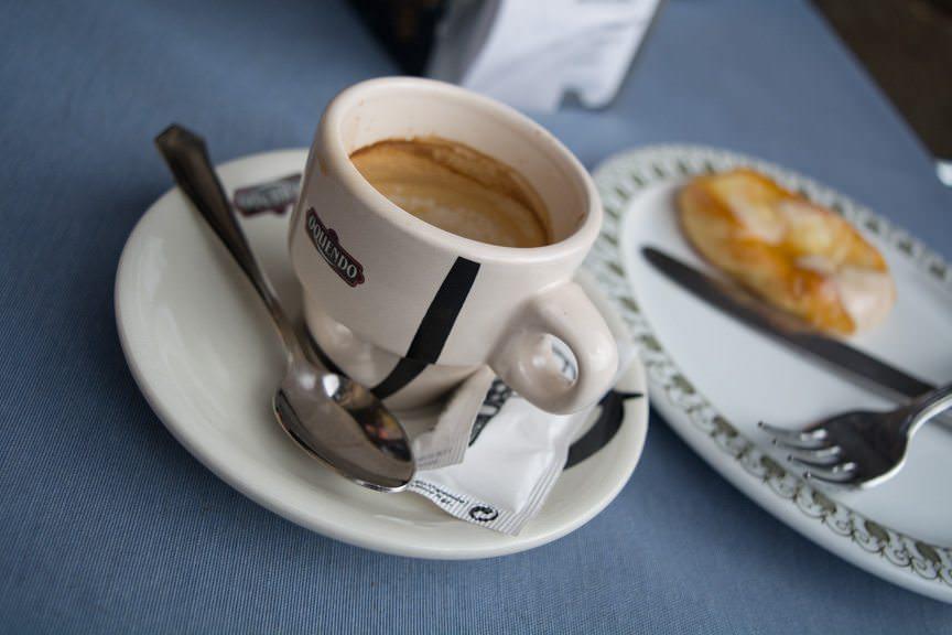 Coffee in Salamanca. Photo © 2015 Aaron Saunders