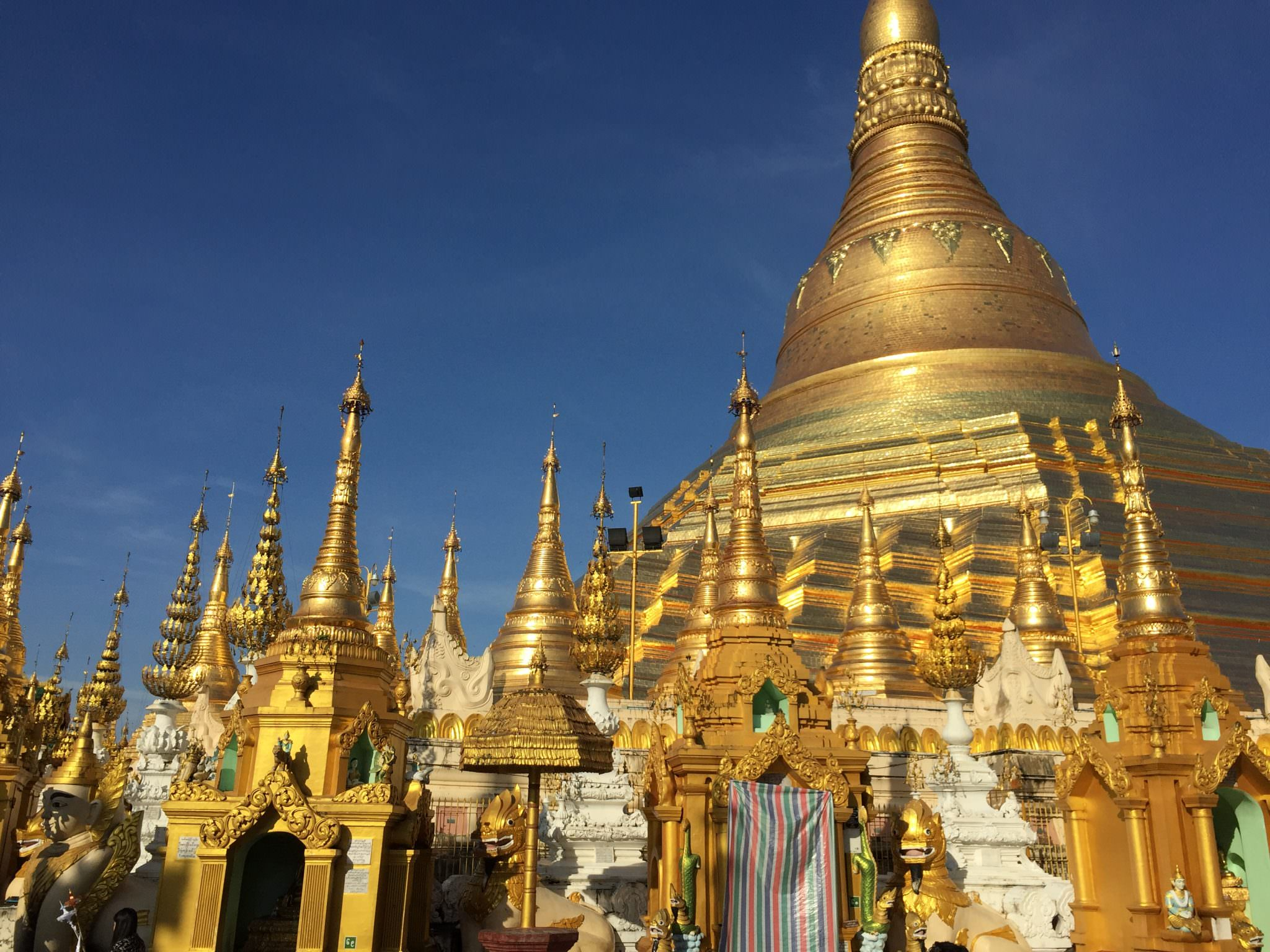Shwedagon Pagoda, Yangon, Myanmar. © 2015 Gail Jessen