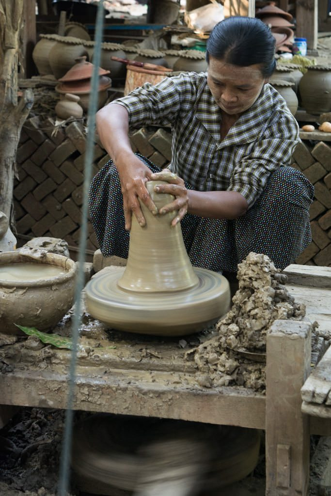 Making a clay pot...Photo © 2015 Aaron Saunders