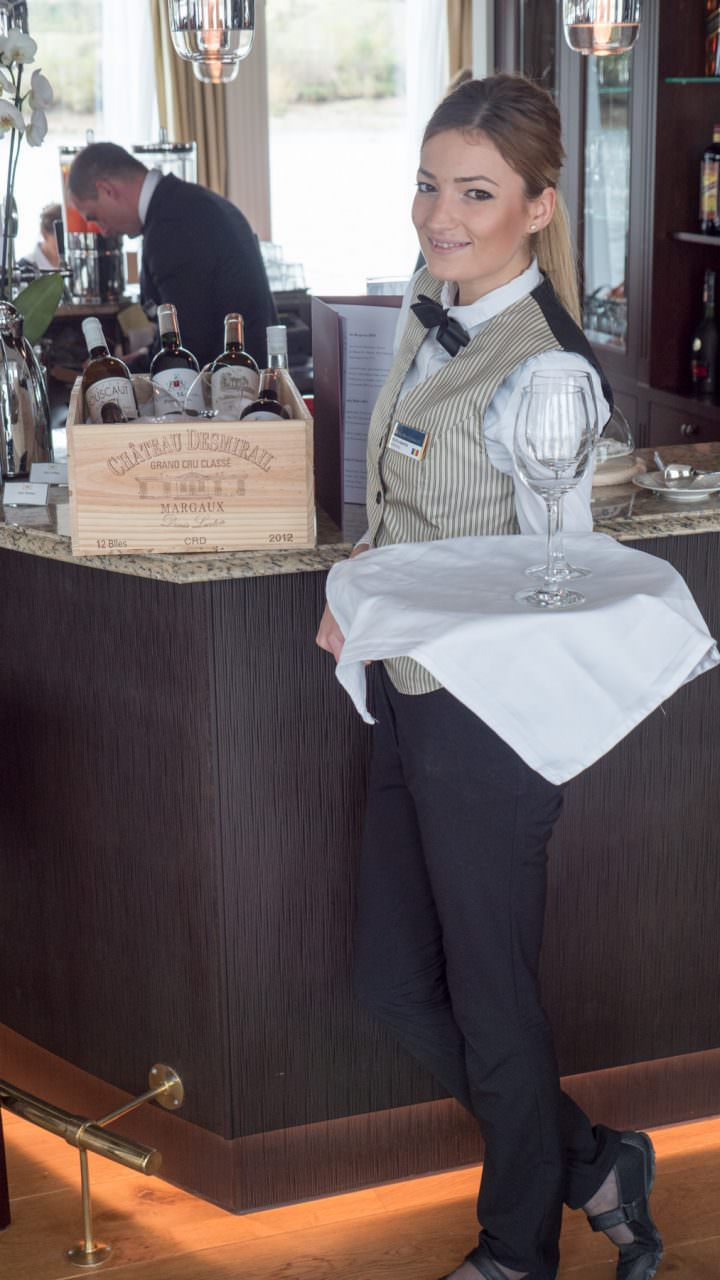 Bar Waitress