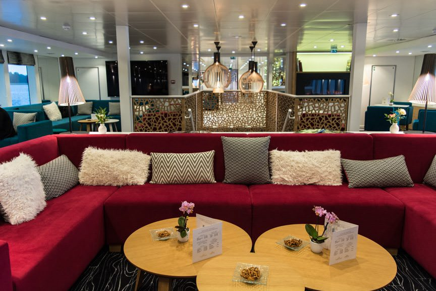 The Lounge aboard the ms Elbe Princesse, facing forward. Photo © 2016 Aaron Saunders