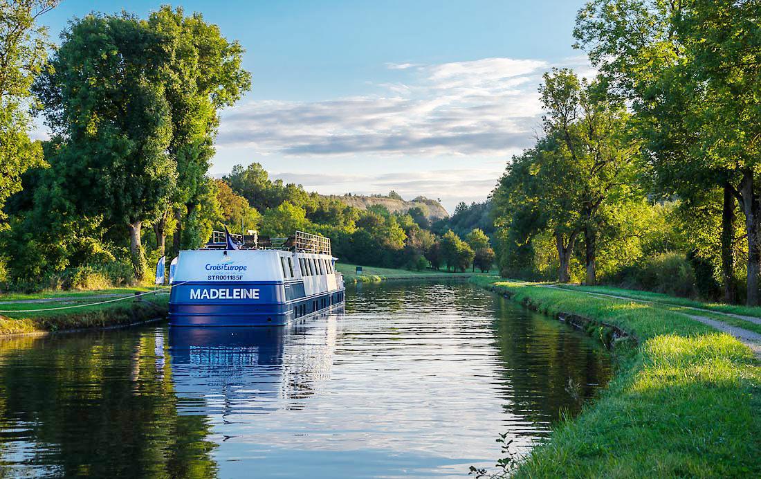 Canaux-Alsace-Marne-Rhin-peniche-Madeleine-navigation01-44728©Bill Maloney